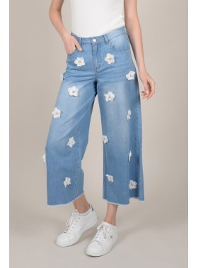 Large pants in jeans
