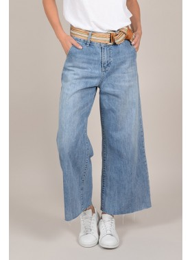 Large Frayed Jeans