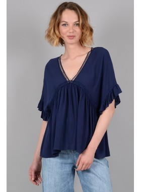Large blouse with ruffle