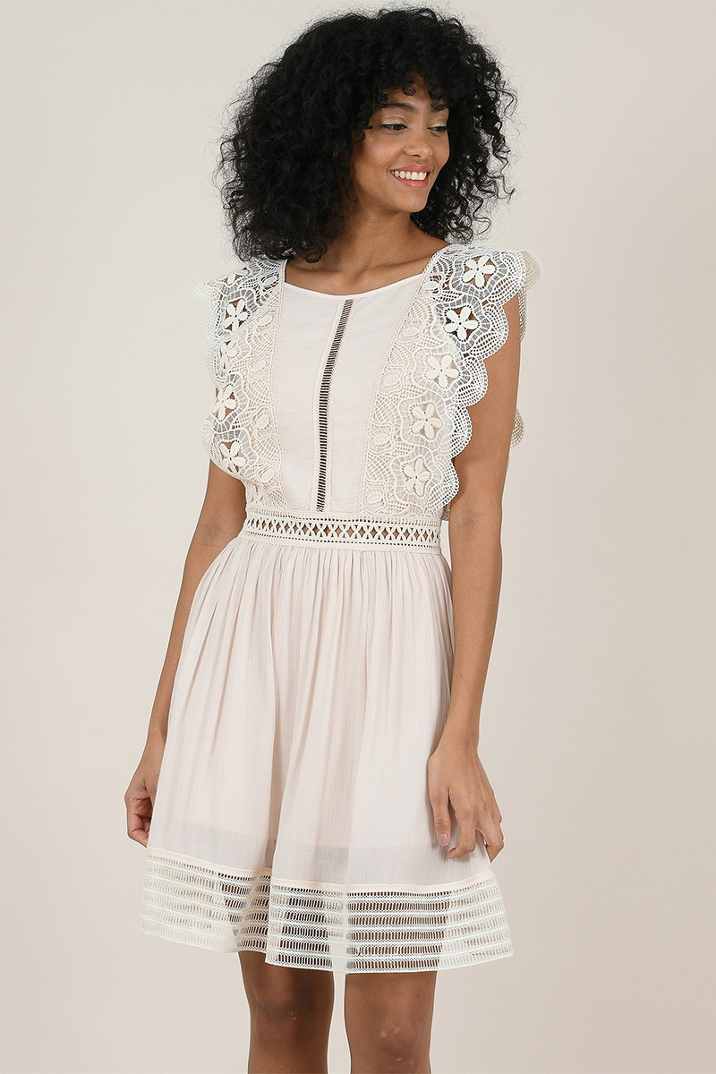 Mini lace dress, flounced shoulders
