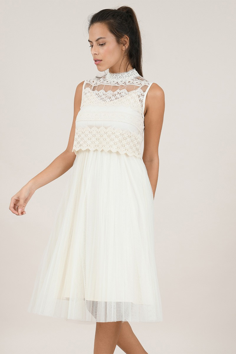 Mid-length dress in tulle and macramé