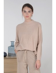 Pull large col montant