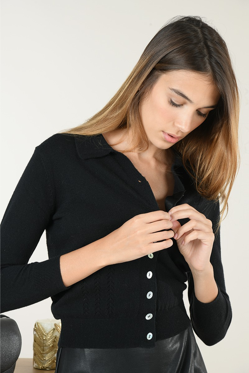 Cropped Contrast button Knit Cardigan