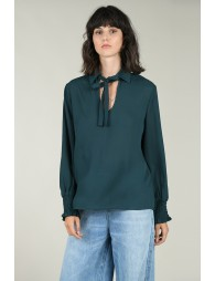 Blouses with smoked cuffs