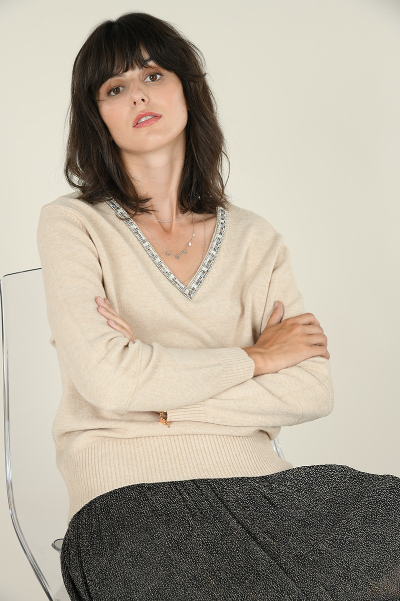 V-neck sweater with rhinestones