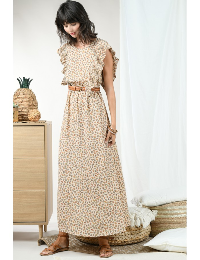 Long dress with ruffled sleeves