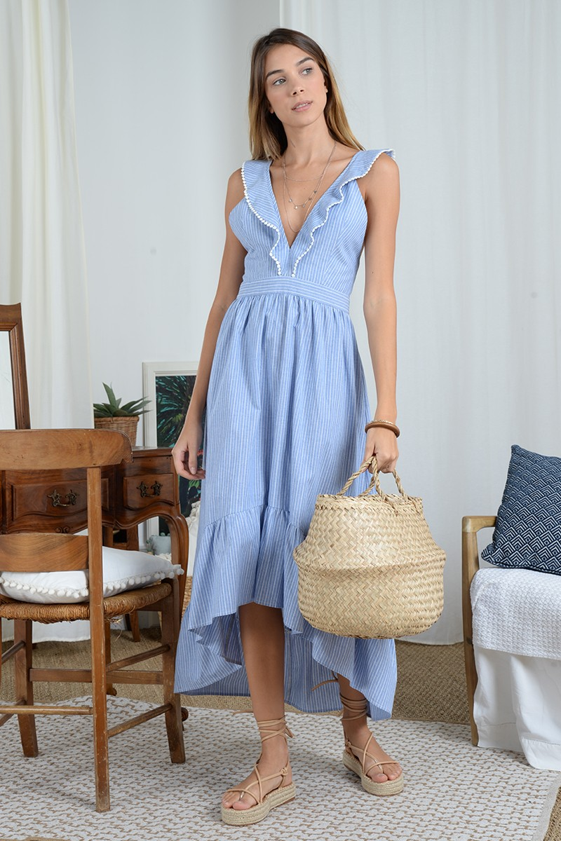 Long dress with crossed straps in the back