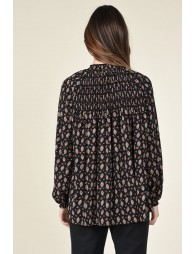 Smocked flare silhouette blouse