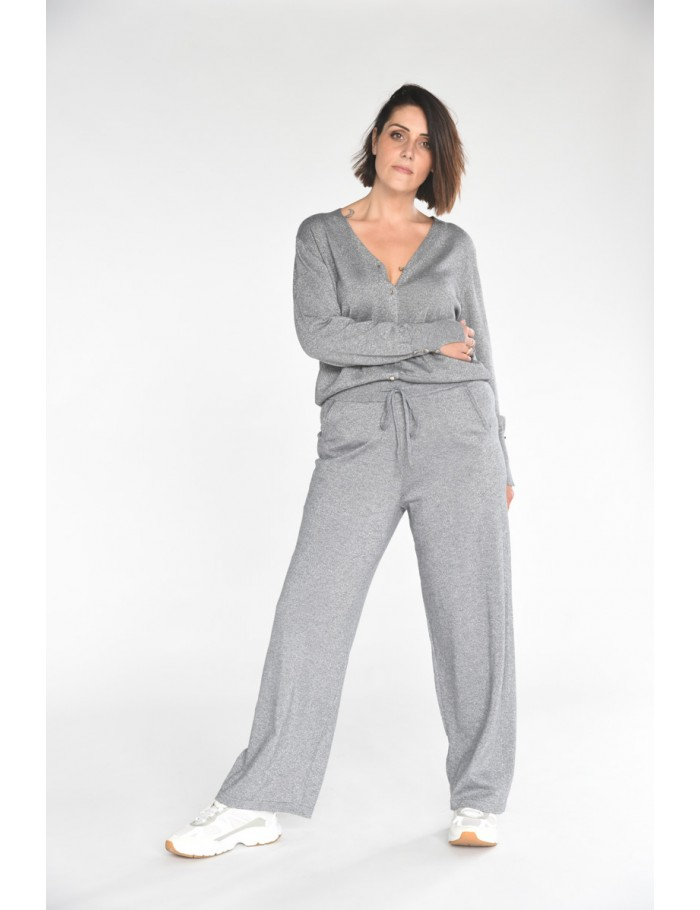 Straight knitted pants
