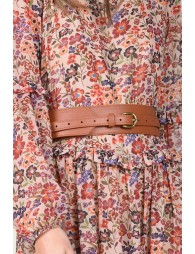 Wide belt with buckle